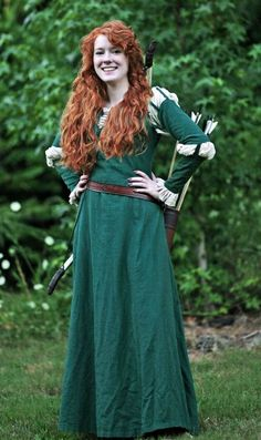Cute costume! Looks like green flannel. Find sheets at used store?
