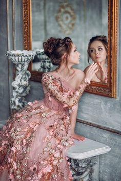 """princesspastelrose: """"princess on Twitter The dress/design looks like Ellie Saab however I'm uncertain. """""""