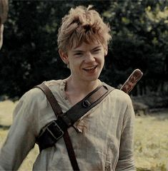Newt : New Greenie, huh ? I'm Newt Y/n : y/n Newt : nice to meet you y/n, you so beautiful Y/n : Thank's Newt : No i mean it, i love you ^^ Newt Maze Runner, Maze Runner Thomas, Maze Runner Funny, Maze Runner Movie, Thomas Brodie Sangster, Maze Runner Trilogy, Maze Runner Series, Maze Runner Actores, Wattpad