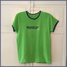 20% off! Nike Green/Blue Trim Comfy Tee Shirt This is a really cool tee! I cut the tag out because it was itching! But it is a size medium and in really good condition! Nike Tops Tees - Short Sleeve