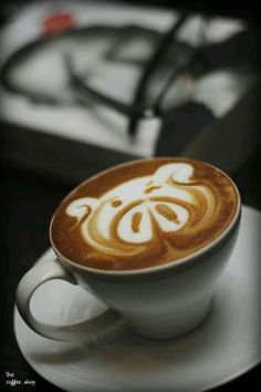 Aww I do love pigs a latte!