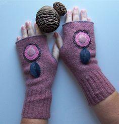 Fingerless Gloves  rosy pink and felt flower by ezmireldagirl