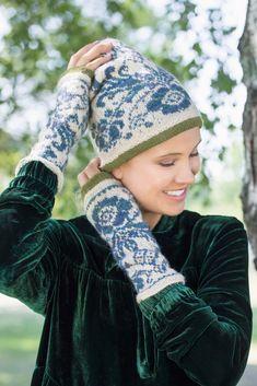DG366-06 Osroso lue & pulsvarmere   Dale Garn Mittens, Knitting Patterns, Winter Hats, Ornament, Beanie, Accessories, Socks, Design, Fashion