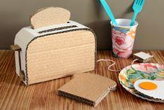 Estefi Machado: Snack time! * Toaster cardboard