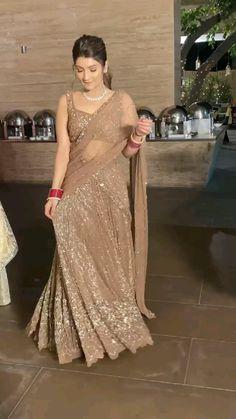 Party Wear Indian Dresses, Designer Party Wear Dresses, Indian Gowns Dresses, Indian Bridal Outfits, Indian Bridal Fashion, Indian Fashion Dresses, Dress Indian Style, Indian Designer Outfits, Bridal Dresses