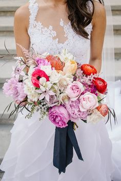 This friggin' gorgeous bouquet that'll make you weep with joy (and allergies). | 19 Insanely Gorgeous Wedding Flowers That'll Get You Hard