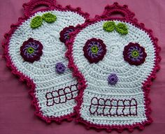 Pottholders Día de los Muertos pink by Schauderlust, via Flickr