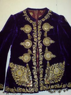 Embroidered velvet women's ceket. From Albania, late-Ottoman era, end of 19th century. The finery is executed in 19th century 'Turkish Rococo'-style.