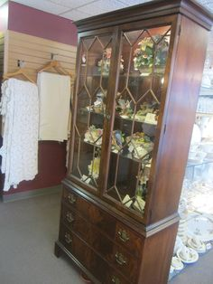 Beautiful Mahogany 1940's - 50's China Cabinet.