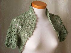 Free+Crochet+Pattern+Shrug+Bolero | Crochet pattern Short sleeved shrug PDF by Berniolie on Zibbet