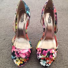 """Floral print d'Orsay high heels Floral print shoes, open toe, 4"""" heel, only worn for 3 hours Charlotte Russe Shoes Heels"""