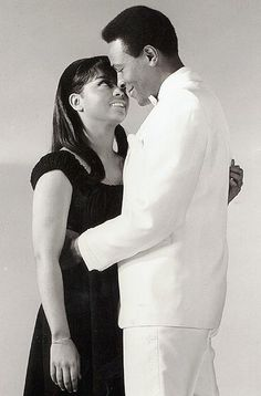 Marvin Gaye and Tammi Terrell.......Uploaded By  www.1stand2ndtimearound.etsy.com