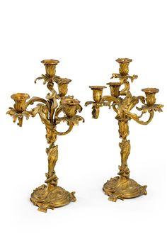 Par de candelabros em bronze gilded a ouro do sec.19th, 50cm de altura, 9,410 USD / 8,320 EUROS / 31,880 REAIS / 61,860 CHINESE YUAN