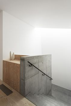 concrete stairs / luker house by jamie fobert architects Minimalist Architecture, Minimalist Interior, Interior Architecture, Brick Architecture, Interior Minimalista, Interior Stairs, Interior And Exterior, Interior Photo, House Contemporary
