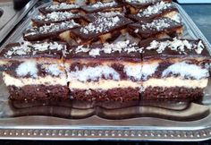 Érdekel a receptje? Hungarian Desserts, Hungarian Recipes, Cake Bars, Creative Food, Chocolate, Cake Cookies, Nutella, Food And Drink, Cooking Recipes
