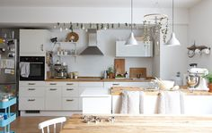 Use a kitchen island to connect the cooking and living spaces in an open-plan room Home, Apartment Interior, Ikea Interior, Home Kitchens, Living Room Inspiration, Kitchen Style, Kitchen Living, Kitchen Design, Ikea Kitchen