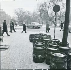 Lubelski sobotni poranek w 1974 roku My Kind Of Town, Modernism, Poland, Posters, Landscape, History, Modern Architecture, Scenery, Historia