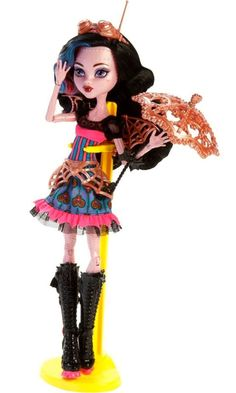 Monster High Freaky Fusion, Draubecca, fusion of Draculaura and Robecca.