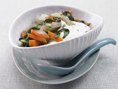 Mangold-Möhren-Gemüse mit Minzquark - smarter - Kalorien: 92 Kcal - Zeit: 15 Min.   eatsmarter.de
