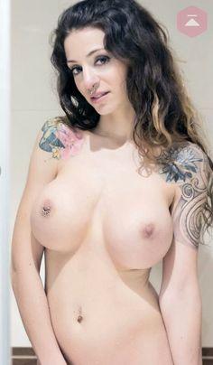 Naked pics of girls assholes