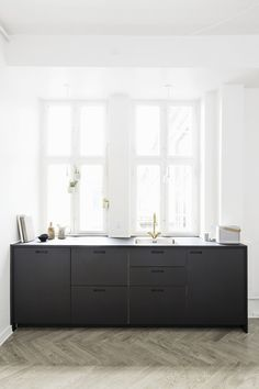 The gorgeous kitchen of ceramist Anne Black