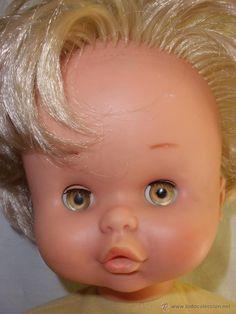 Antigua muñeca de Famosa ojos color miel margarita años 60-70 numerada 74