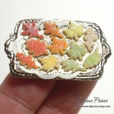 Lovely sugared leaf cookies, dpaone on etsy