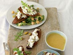 Date-Ricotta Crostini and Arugula Salad http://www.prevention.com/food/healthy-recipes/31-healing-recipes-you-cant-live-without/date-ricotta-crostini-and-arugula-salad