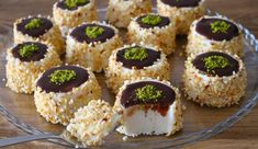 saray-tatlisi-tarifi Bulgarian Recipes, Turkish Recipes, Ethnic Recipes, Snack Recipes, Dessert Recipes, Mini Cheesecakes, Food Decoration, Easy Desserts, Healthy Snacks