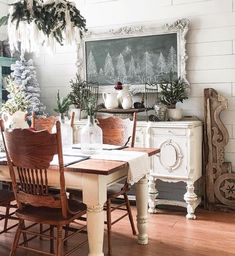 Because ya girl has clarified she ain't a Scrooge. But don't have any dang time to pull out anything yet. I'll share a throw back from last… Cottage Christmas, Farmhouse Christmas Decor, Cozy Christmas, Country Christmas, Simple Christmas, Farmhouse Decor, Christmas Holidays, Christmas Decorations, Farmhouse Style