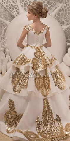 Lace Ivory and Gold Flower Girl Dress - Birthday Bridesmaid Wedding Party Holiday Ivory and Gold Lace Tulle Flower Girl Dress Gold Tulle, Gold Lace, Gold Flower Girl Dresses, Flower Girls, Princess Ball Gowns, Birthday Dresses, Lace Applique, Lace Embroidery, Tulle Dress