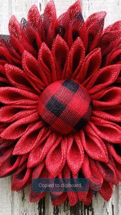 Burlap Crafts, Wreath Crafts, Diy Wreath, Wreath Ideas, Wreath Making, Burlap Flower Wreaths, Deco Mesh Wreaths, Burlap Wreath, Christmas Crafts