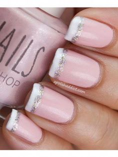 Glittered French Tip Nails. It makes French Nails easier. Fancy Nails, Love Nails, Trendy Nails, My Nails, Prom Nails, Glitter French Tips, French Tip Nails, French Manicures, French Manicure With A Twist