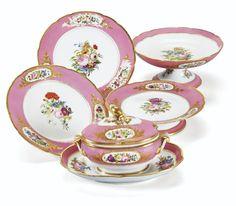 Partie de service en porcelaine de Paris d'époque Louis-Philippe, vers 1840   Lot   Sotheby's