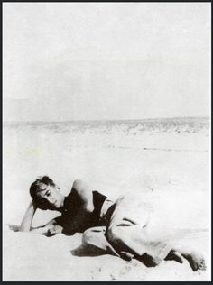 Henri Cartier-Bresson: Roland Barthes on the beach (1932)