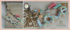 www.facebook.com/szilvilag  Kézzel varrt gyapjúfilc kulcstartó-táskadísz #handmade #bagdecor #keyholder #keyring #baggy #giftbag #flower #love #jewel #tavasz #virágos #rózsaszín #menta #szilvilág #kulcstartó #táskadísz #táskaékszer #ékszer