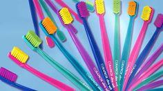 CS 5460 «ultra soft» — Ультрамягкая зубная щетка  Cамая мягкая из всех щеток Curaprox с огромным количеством щетинок. Достаточно легких круговых движений по линии десны, чтобы удалить налет без повреждений. -Толщина щетинок – 0,10 мм -Компактное поле широких щетинок для лучшей очистки вертикальных поверхностей зубов -Защитный чехолКоличество активных атравматичных щетинок CUREN® – 5460 -Оптимальная анатомическая восьмигранная ручка из легкого полипропилена   #какправильночиститьзубы…