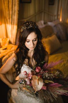 Jacqueline Manfrin by Rafael Côvre Beautiful Bride, Brides, Wonder Woman, Women, Weddings, Engagement, The Bride, Wonder Women, Wedding Bride
