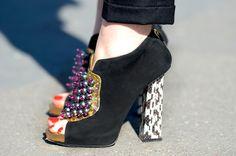 NobodyKnowsMarc.com+Gianluca+Senese+Paris+Fashion+week+street+style+dior+fashion+show+shoes+_thumb%5B2%5D.jpg (760×504)