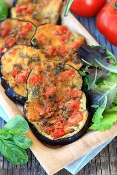 Eggplant Pizzette recipe with mushroom mushroom, mozzarella Fast food recipe Vegetable recipe with e Raw Vegan Recipes, Mushroom Recipes, Vegan Foods, Vegetable Recipes, Vegetarian Recipes, Healthy Recipes, Healthy Cooking, Healthy Eating, Cooking Recipes