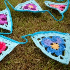 Grannys Pansies Crochet Bunting 300x300 Grannys Pansy   Crochet Bunting ~ free pattern