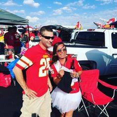 Been an hour and we're already making friends! Happy #RedThursday! #ChiefsKingdom