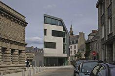 Institute of Marine Genomics / Barré Lambot Architectes
