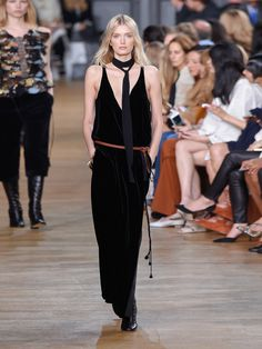 V-neck velvet gown | Chloé | MATCHESFASHION.COM US