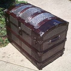 Navy Shadow box Idea For Antique Dome Top Trunk 412 Trunk Redo, Trunk Makeover, Victorian Furniture, Antique Furniture, Refurbished Furniture, Vintage Trunks, Antique Trunks, Trunks For Sale, Trunk Furniture