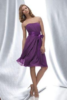 Trägerloses gefaltetes knielanges Brautjungfernkleid mit Satin Schärpe