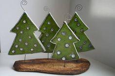 Vianočné stromčeky – 4 / DesignLCH – Hobbies paining body for kids and adult Ceramic Christmas Decorations, Ceramic Christmas Trees, Diy Christmas Gifts, Christmas Art, Christmas Projects, Christmas Themes, Christmas Tree Ornaments, Holiday Crafts, Xmas