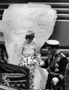 July Lady Diana Spencer marries Prince Charles at St. Paul's Cathedral in London. Diana Wedding Dress, Princess Diana Wedding, Princess Diana Family, Prince And Princess, Princess Of Wales, Lady Diana Spencer, Charles And Diana Wedding, Prince Charles And Diana, Prince Charles Wedding