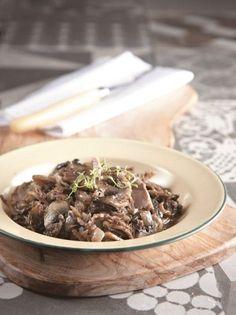 Μανιτάρια με καβουρμά και θυμάρι - www.olivemagazine.gr Greek Beauty, I Foods, Recipies, Stuffed Mushrooms, Food Porn, Cooking Recipes, Beef, Chocolate, Autumn