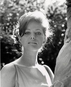 Claudia-Cardinale-in-Paris-photo-Peter-Basch.jpg (1030×1259)